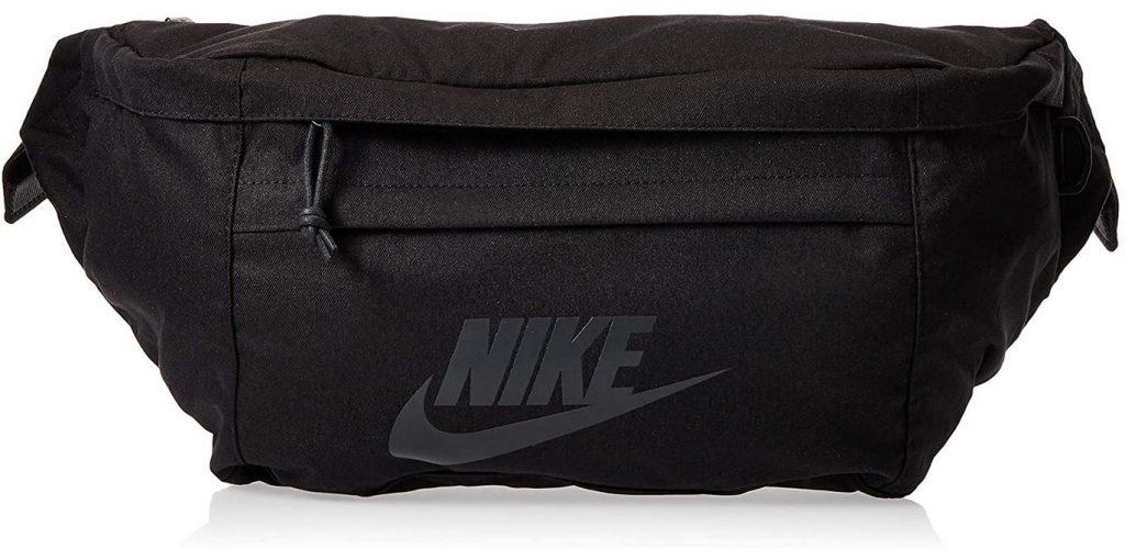 banane noire de la marque Nike avec poche frontale et grand compartiment central