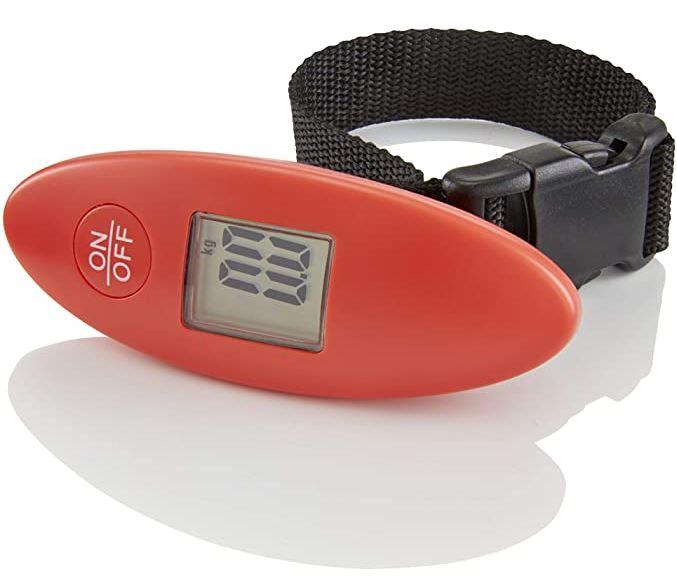 pese bagage tout simple rouge et noir avec affichage digital de la marque Travelite