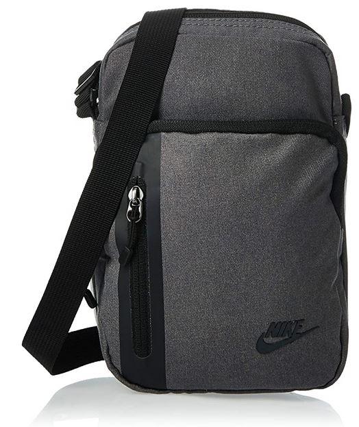 sacoche masculine Nike grise et noire modele Core Smal Items 3.0 avec capacite de 3 litres