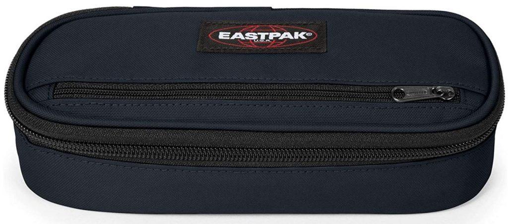 trousse Eastpak ovale bleue au design plutot masculin avec double poches